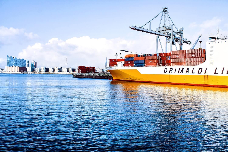 Sposoby na łączenie kontenerów na statku